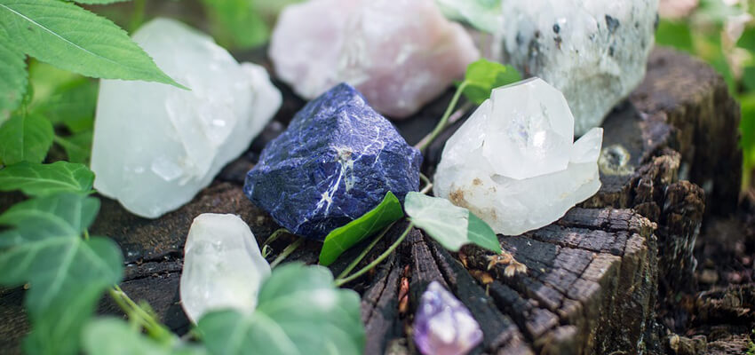 Crystal Healing page banner